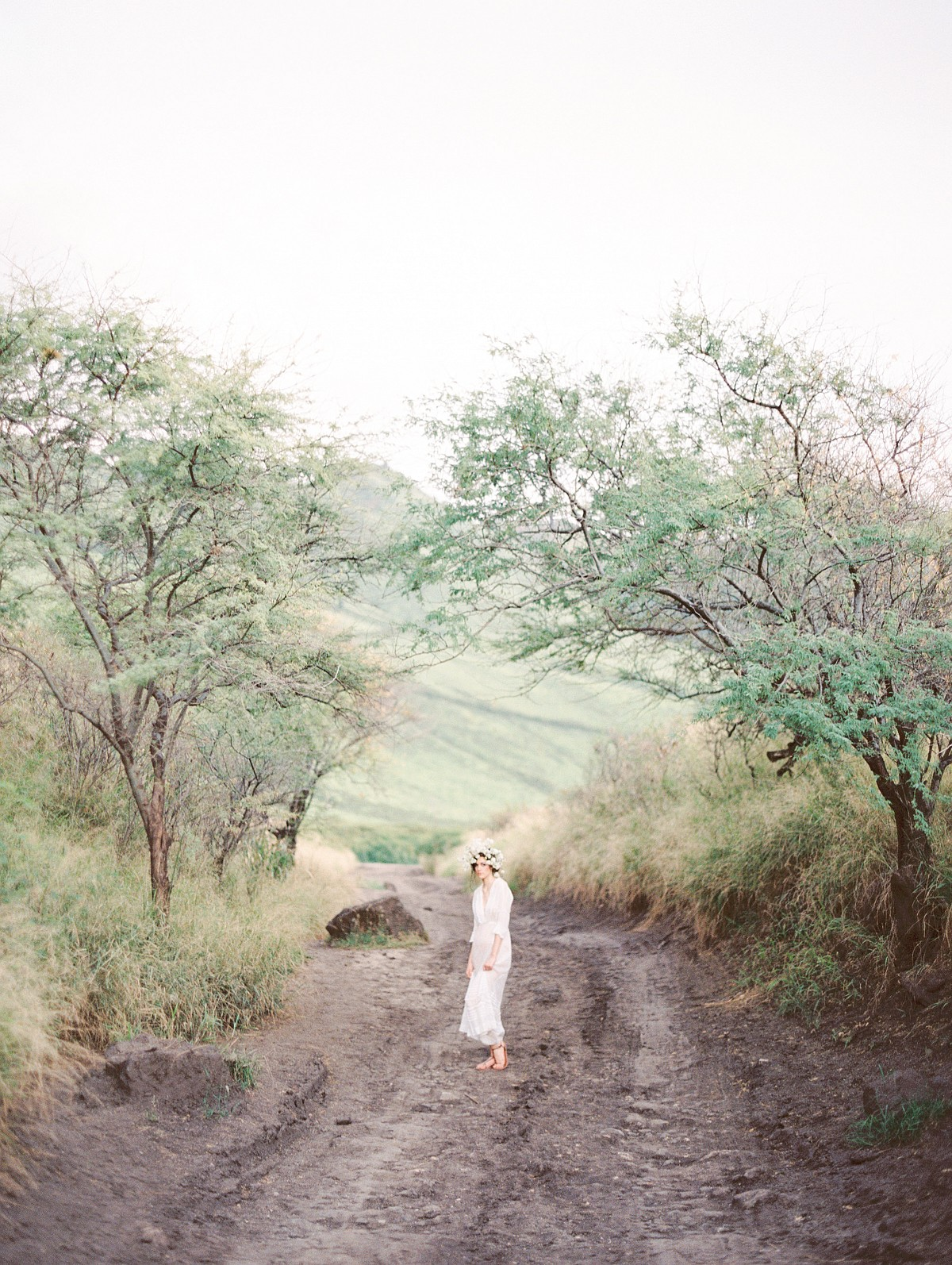Ethereal and Romantic Bridal Style among the Hawaiian Hills