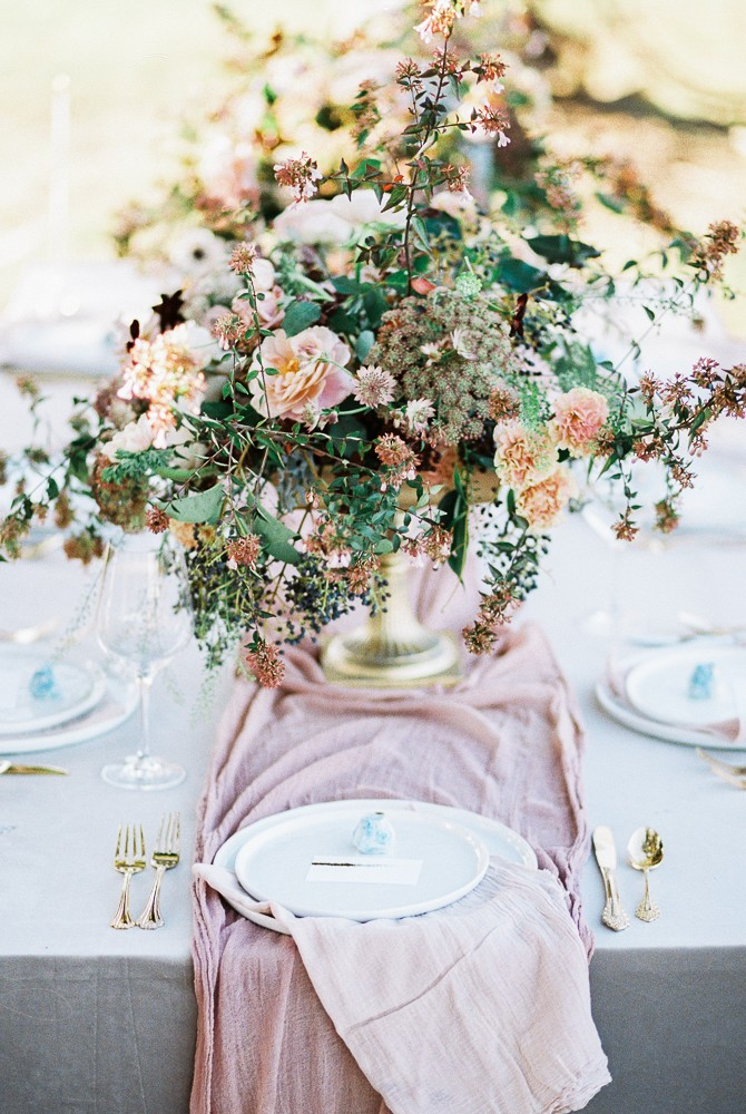 Light and Arrow Photography - Blush and Mauve Wedding Inspiration - Wedding Sparrow