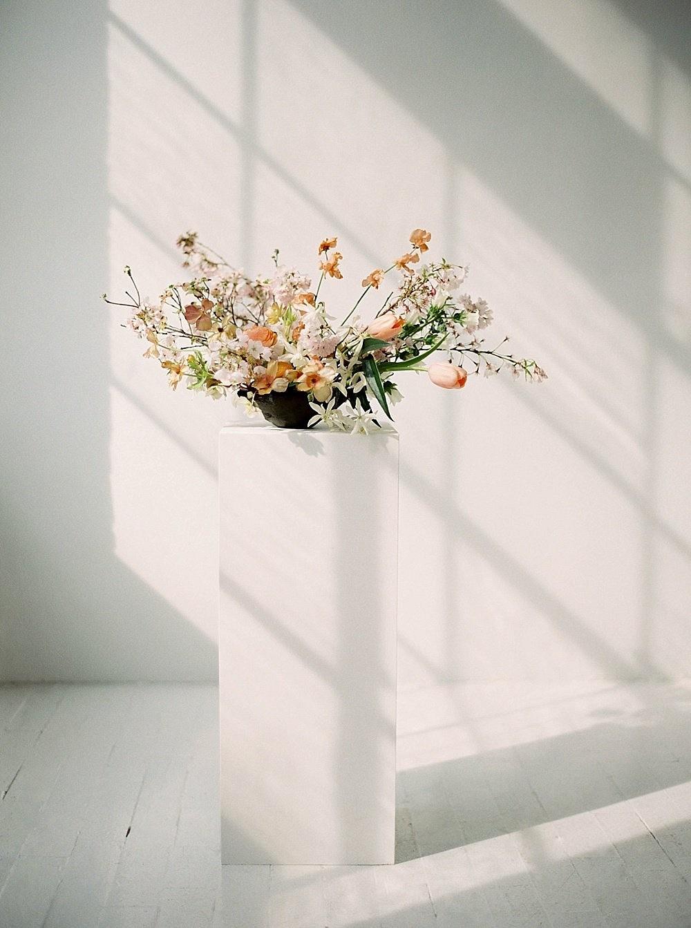 Modern, Minimalistic Spring Wedding Inspiration