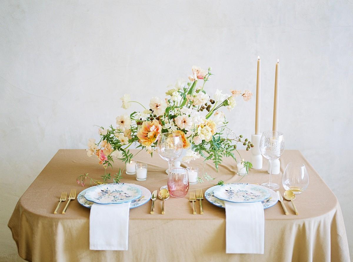 Romantic Spring Wedding Bouquet Ideas   Wedding Sparrow fine art wedding blog