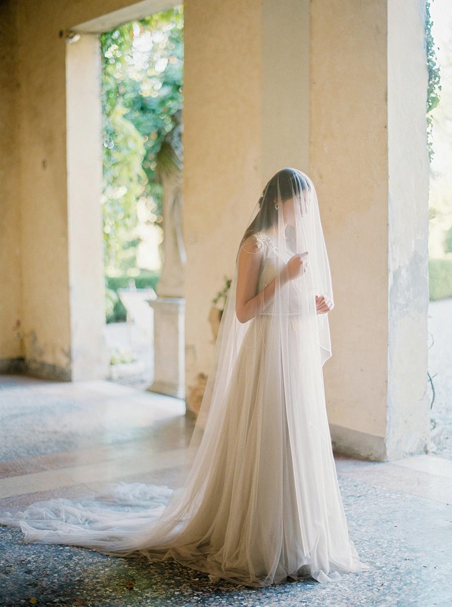 Italian Elopement and a Vintage Getaway Car by Nastia Vesna | Wedding Sparrow | wedding blog