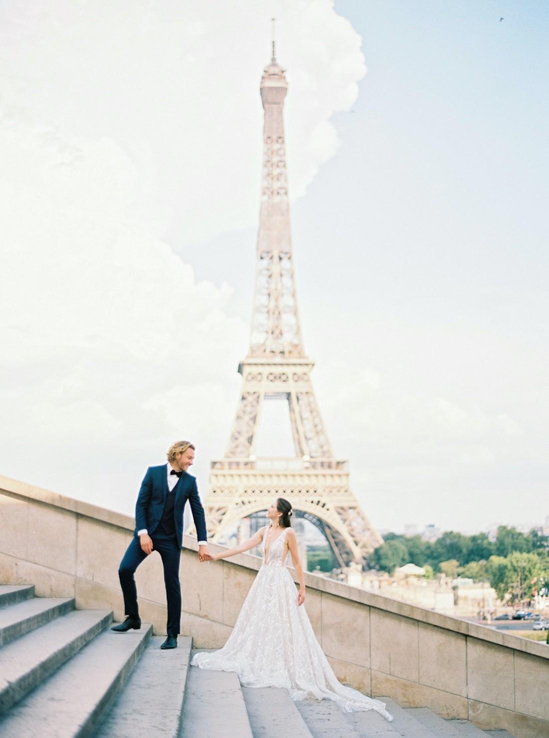pre wedding shoot paris petit palais