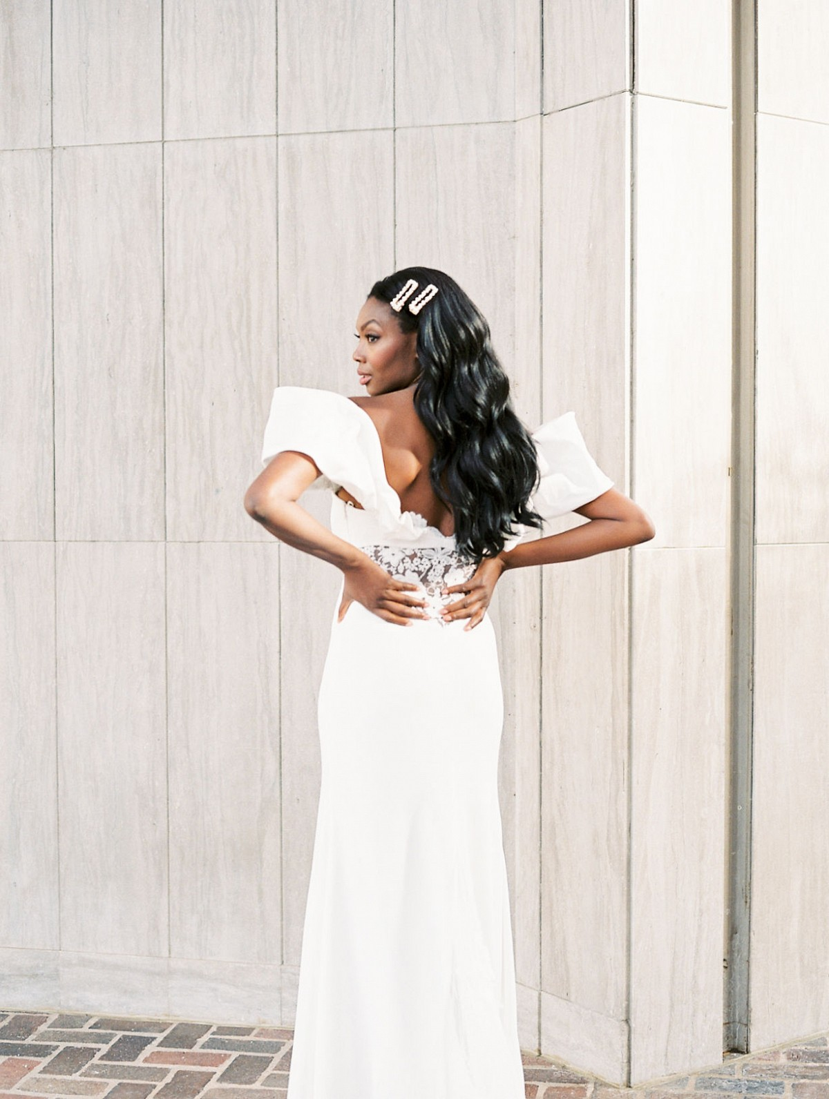 2 Completely Different Bridal Looks for a City Wedding