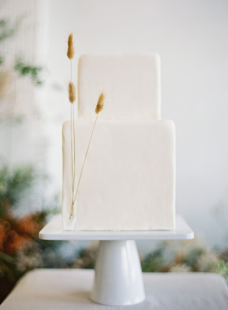 Modern Earthy Hawaii Wedding Style
