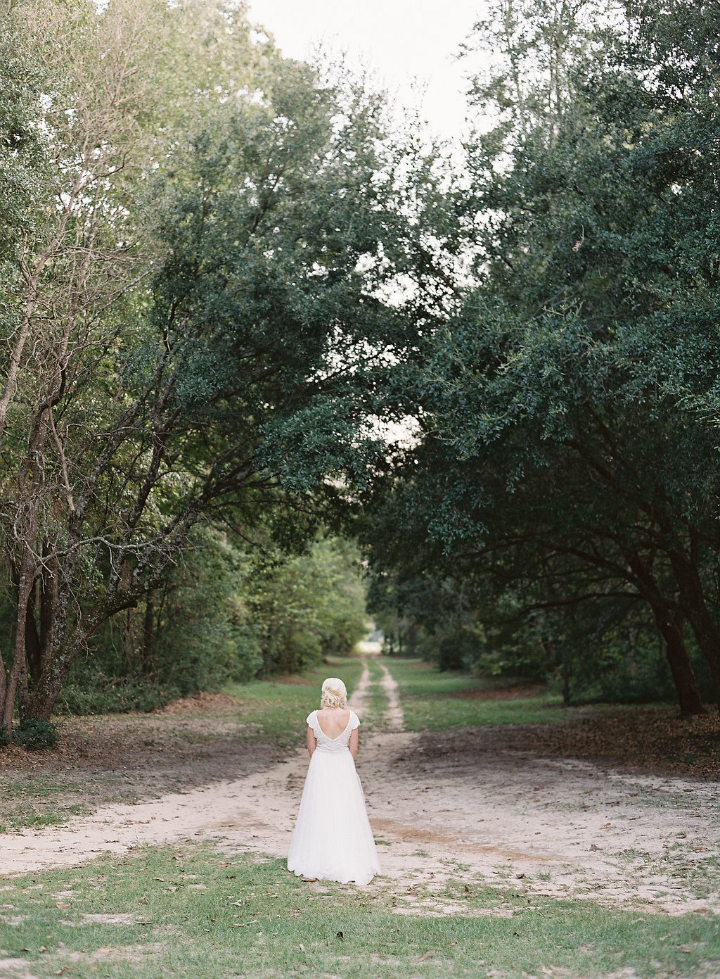 Keeping your wedding style serene and minimal