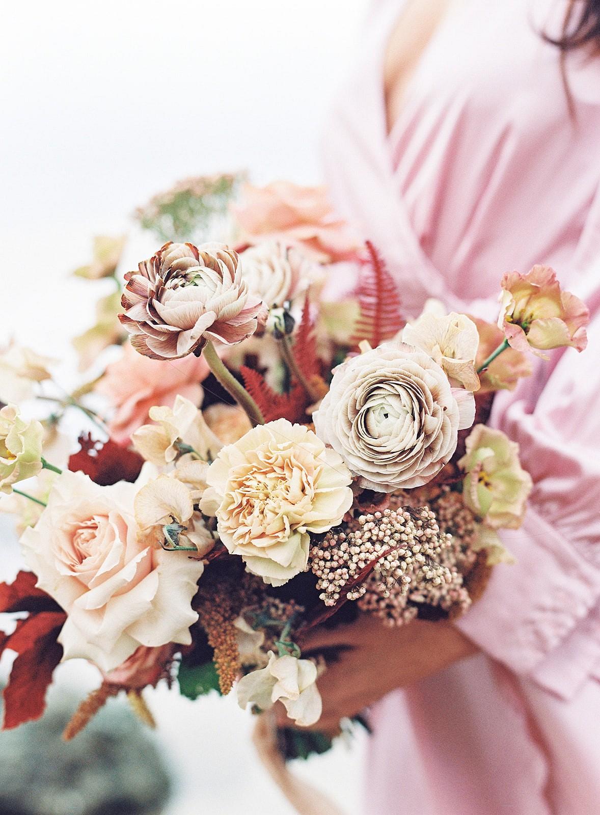 red fall wedding bouquet