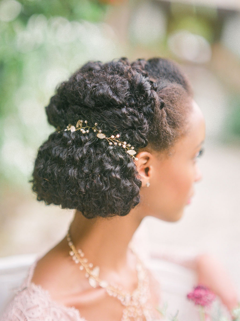 18 Perfect Hairstyles for Your Elopement Wedding
