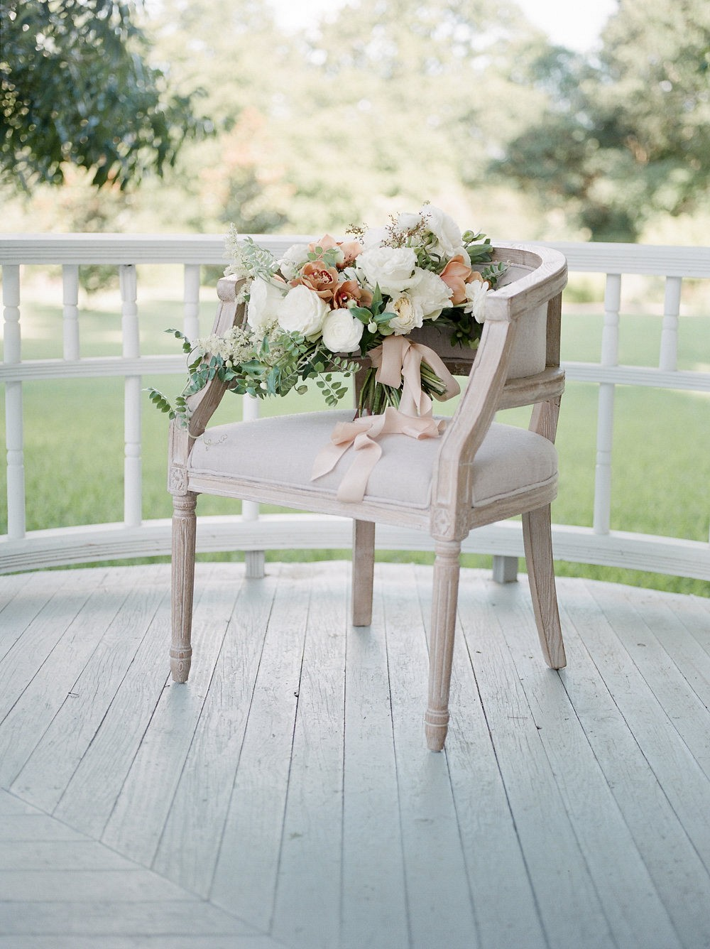 Simple, Understated Garden Wedding Ideas