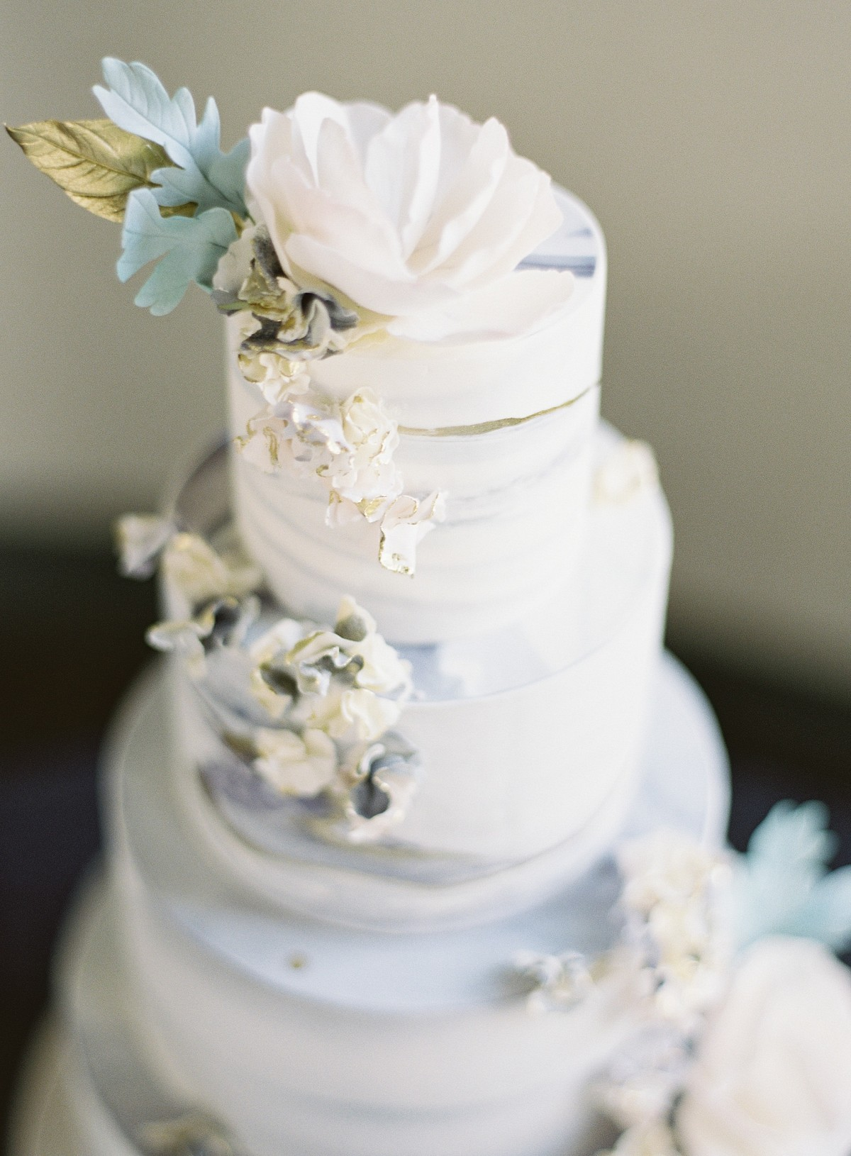 Winter Wedding Inspiration in Jewel Tones