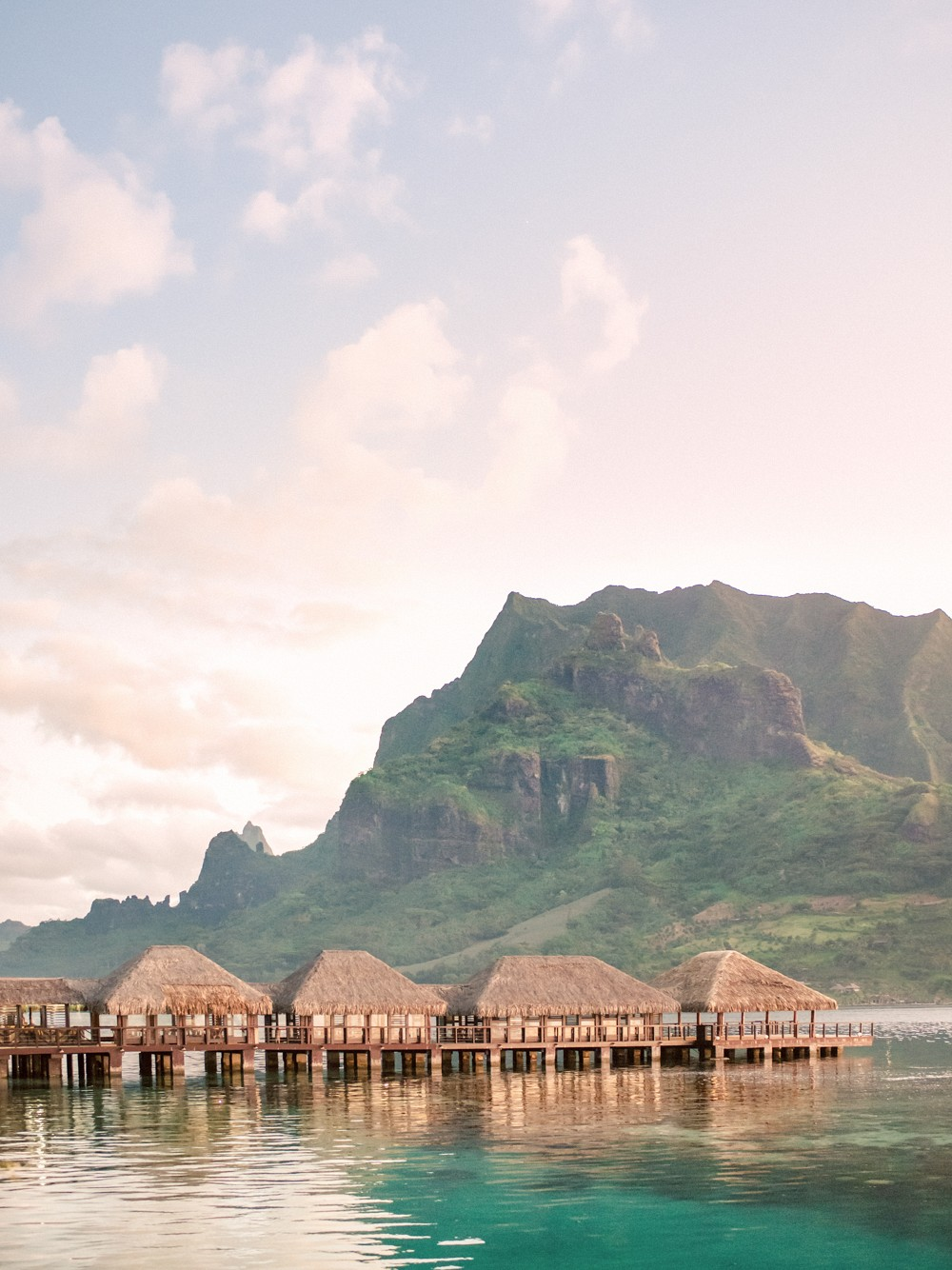 Honeymoon Guide: Moorea Island in Tahiti