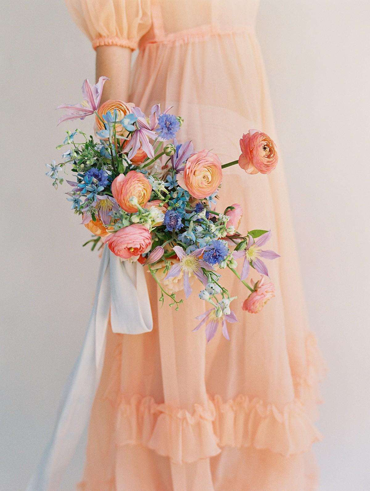 Peach Bold Bridal bouquet