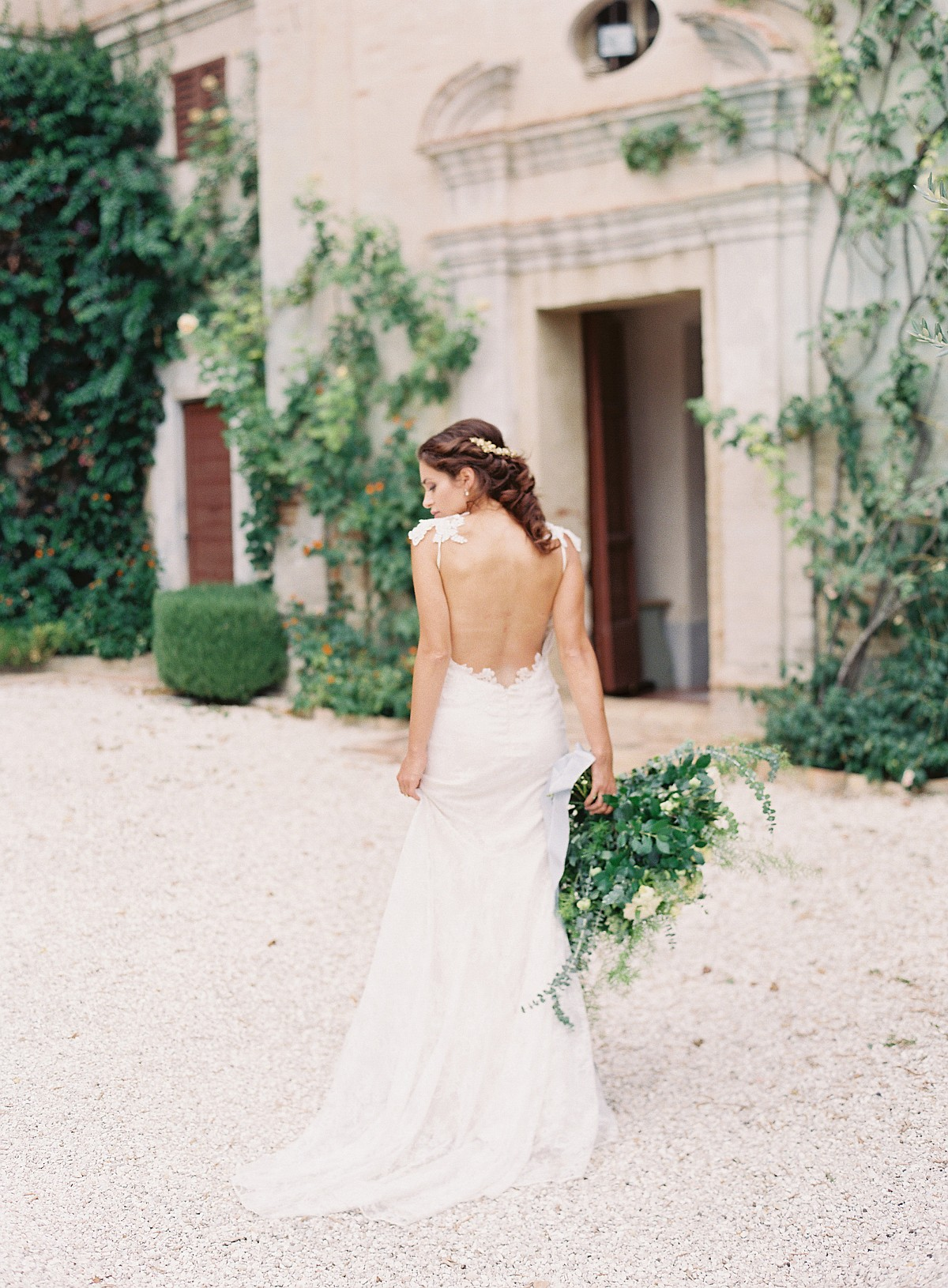 Two Brides in an Italian Villa
