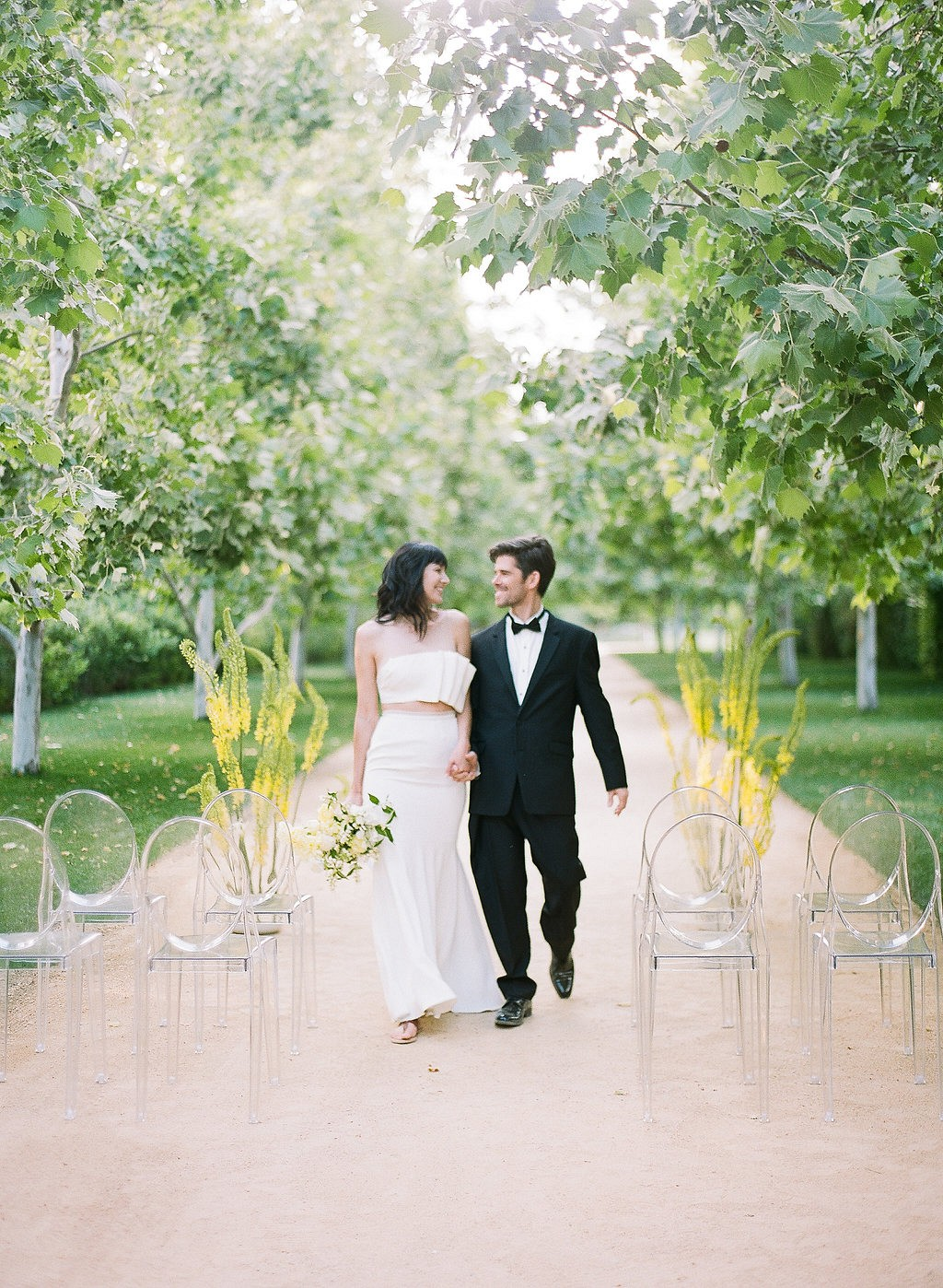 Summer Wedding Ideas with Pops of Yellow
