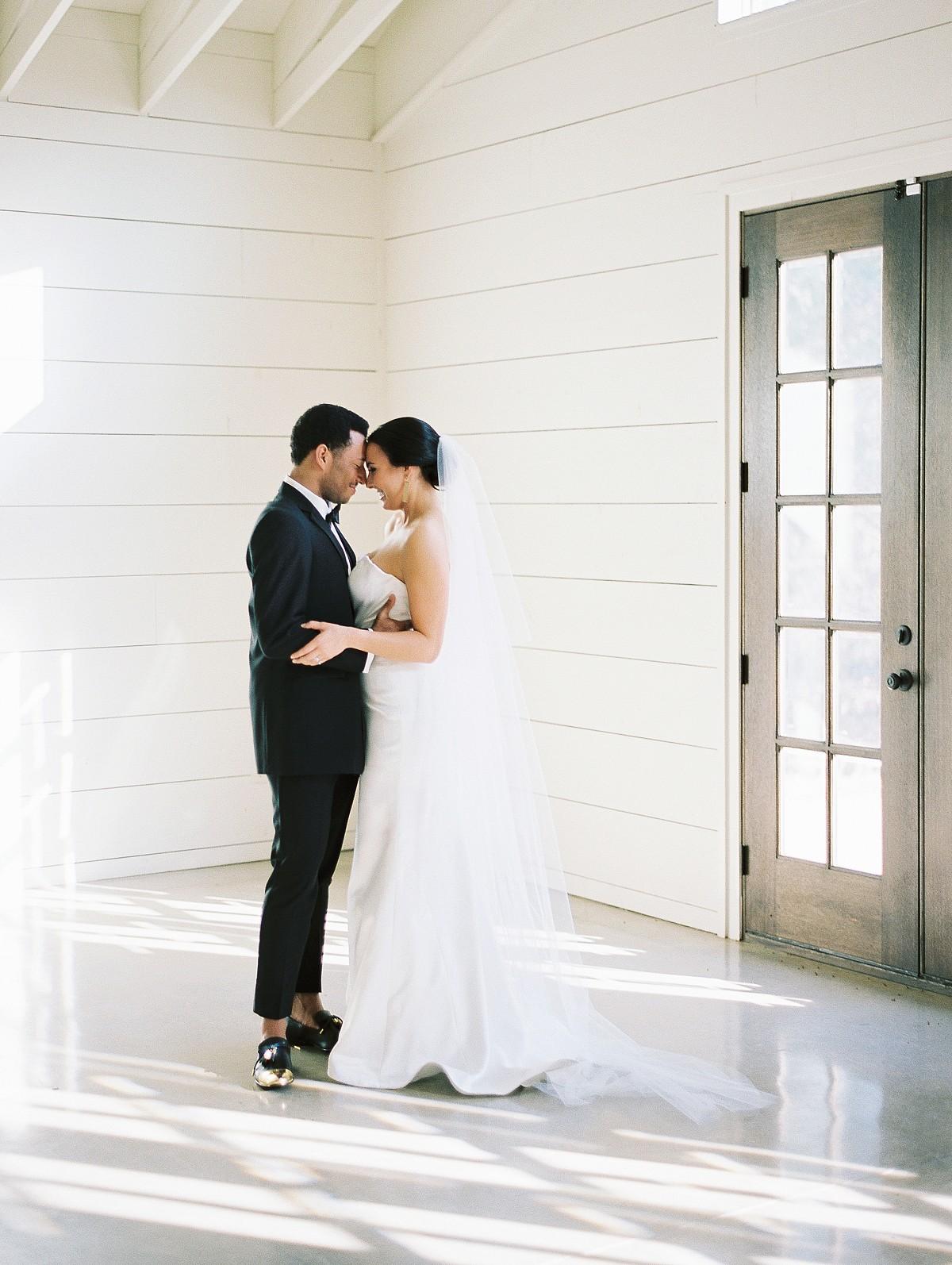 Earthy Modern Wedding Ideas in Monochrome