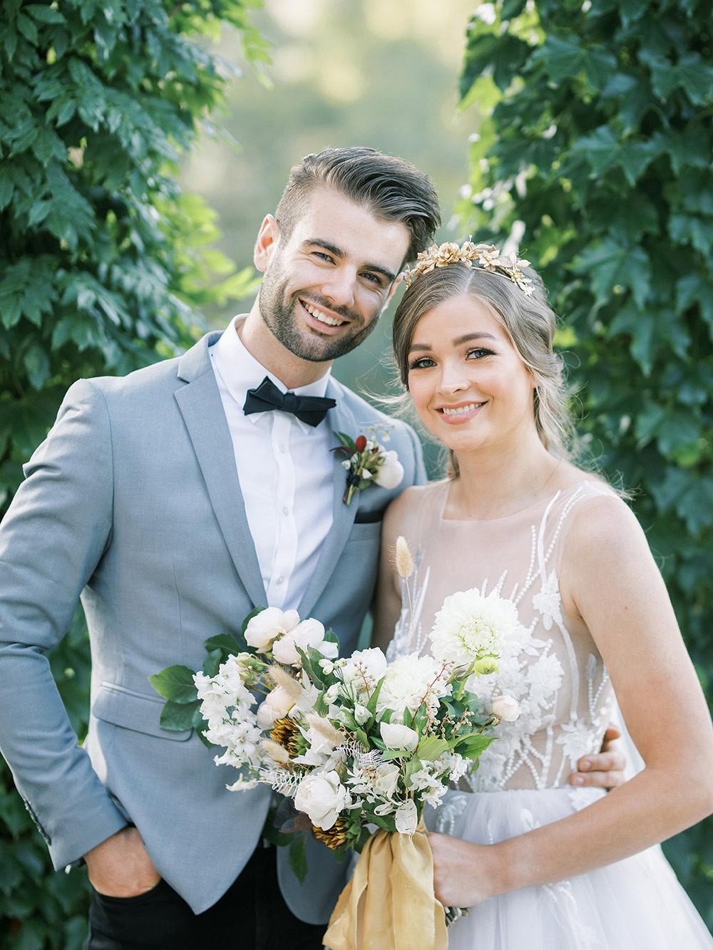 Lovers of the Light - Green & White Wedding Inspiration