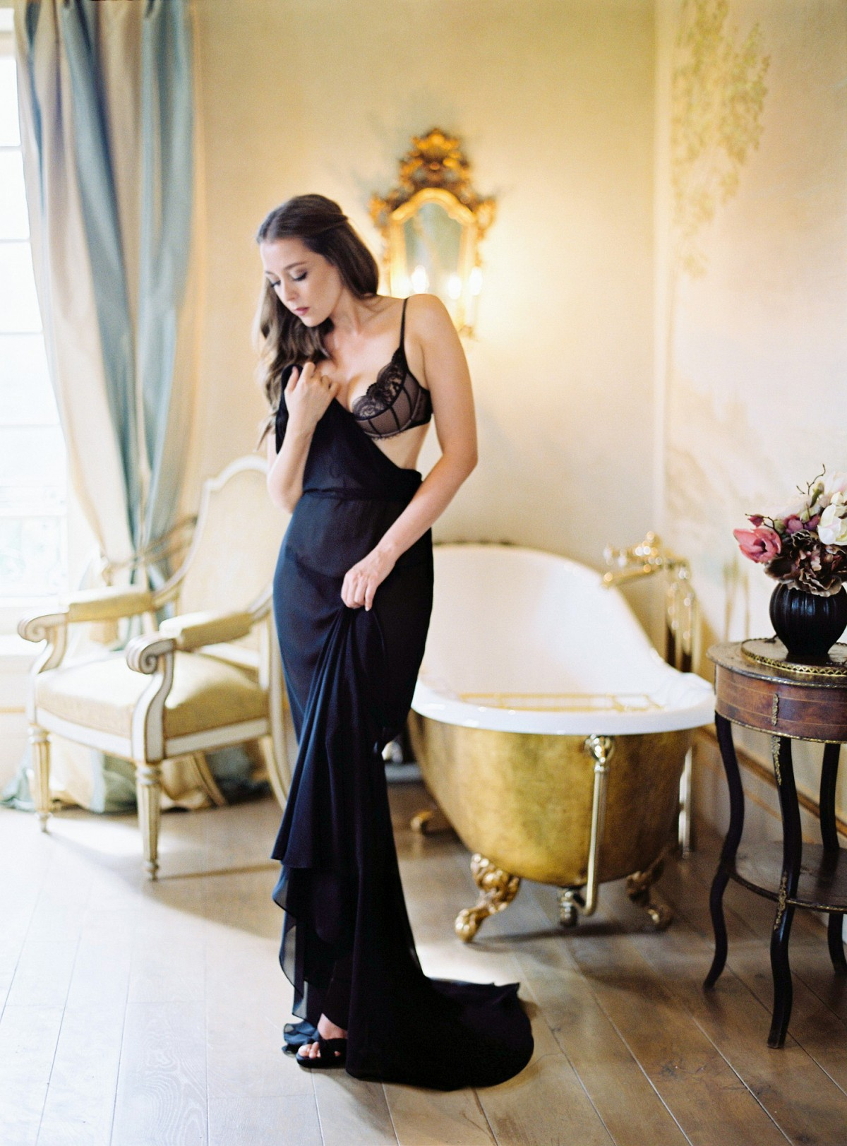Luxurious Real Boudoir Session in a Tuscan Villa