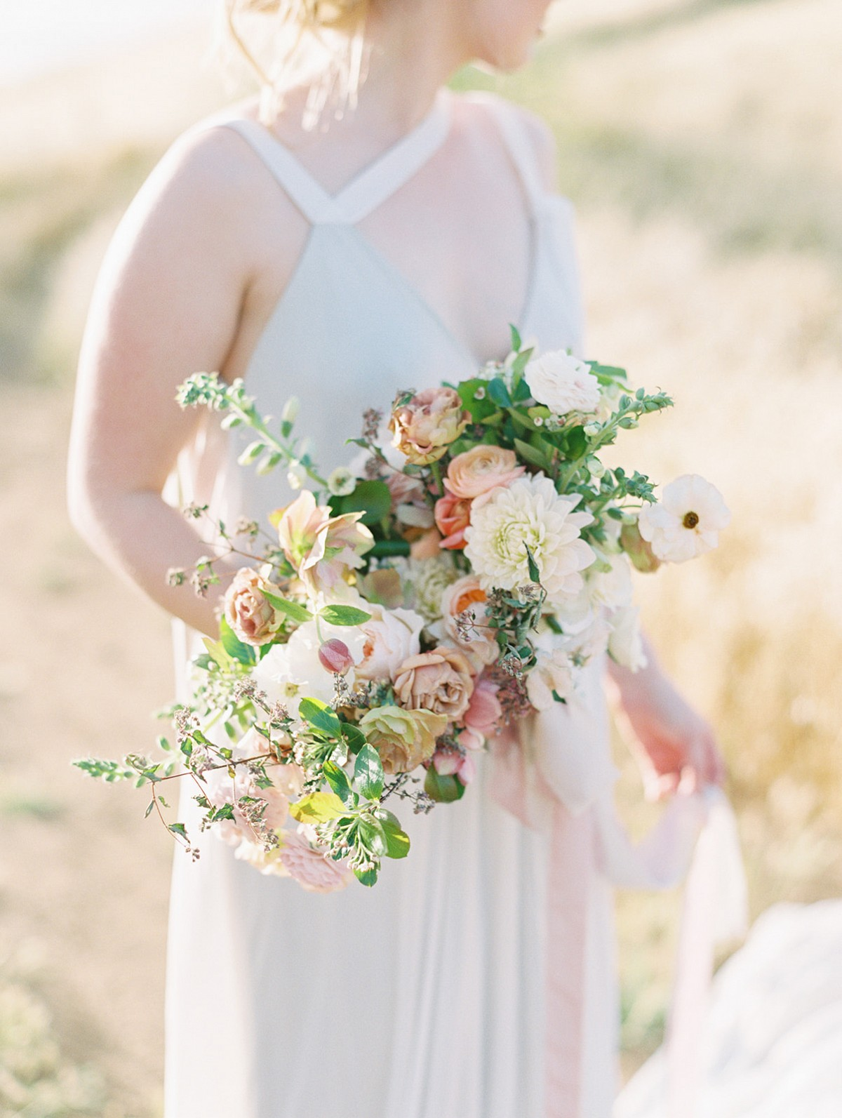 Pink and ivory bouquet ideas