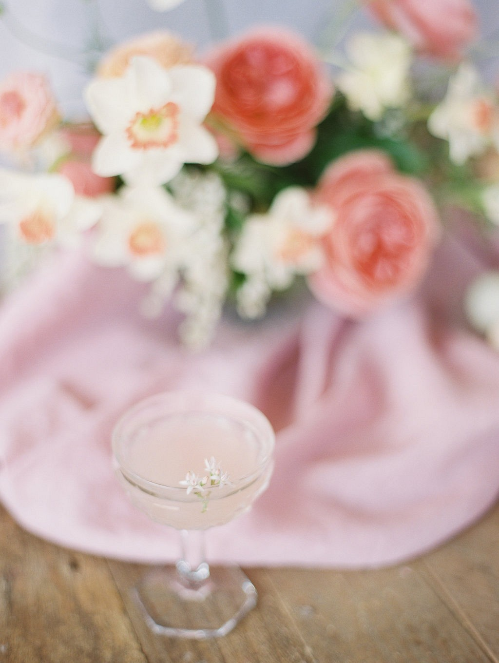 Summer Cocktails for a Signature Drink | Wedding Sparrow