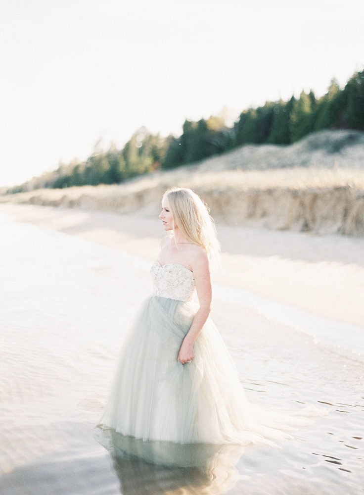 Midwestern Lake Bridals with a Coastal Feel