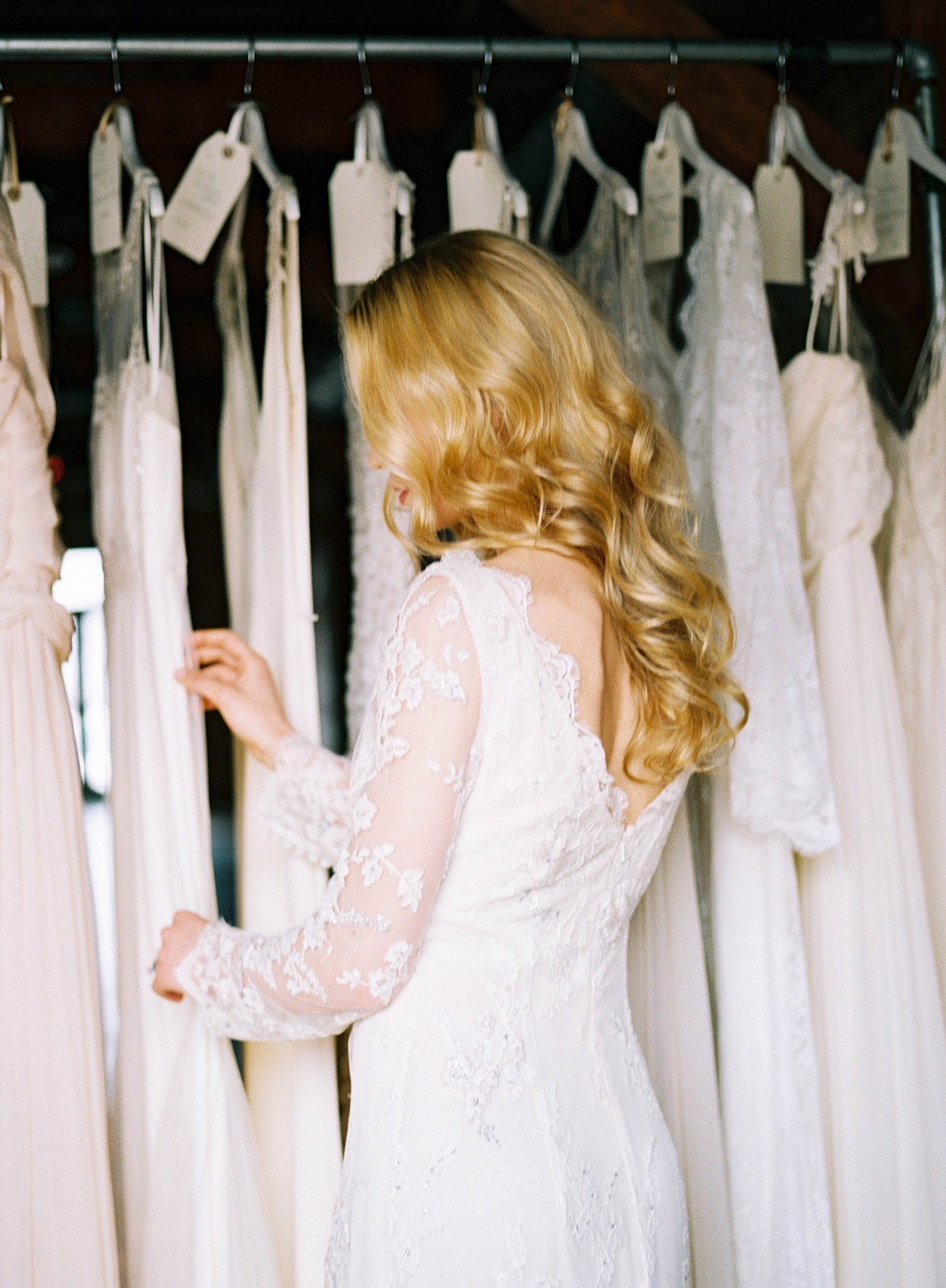 wedding dress shopping tips from the dress theory on wedding sparrow