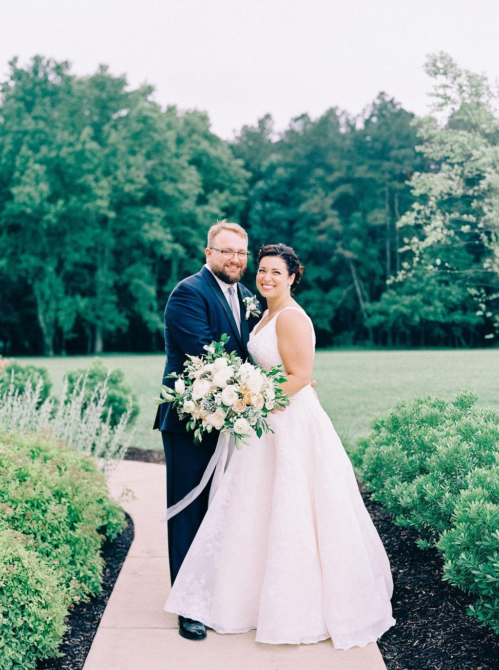 Beautiful blue Virginia wedding with artistic styling