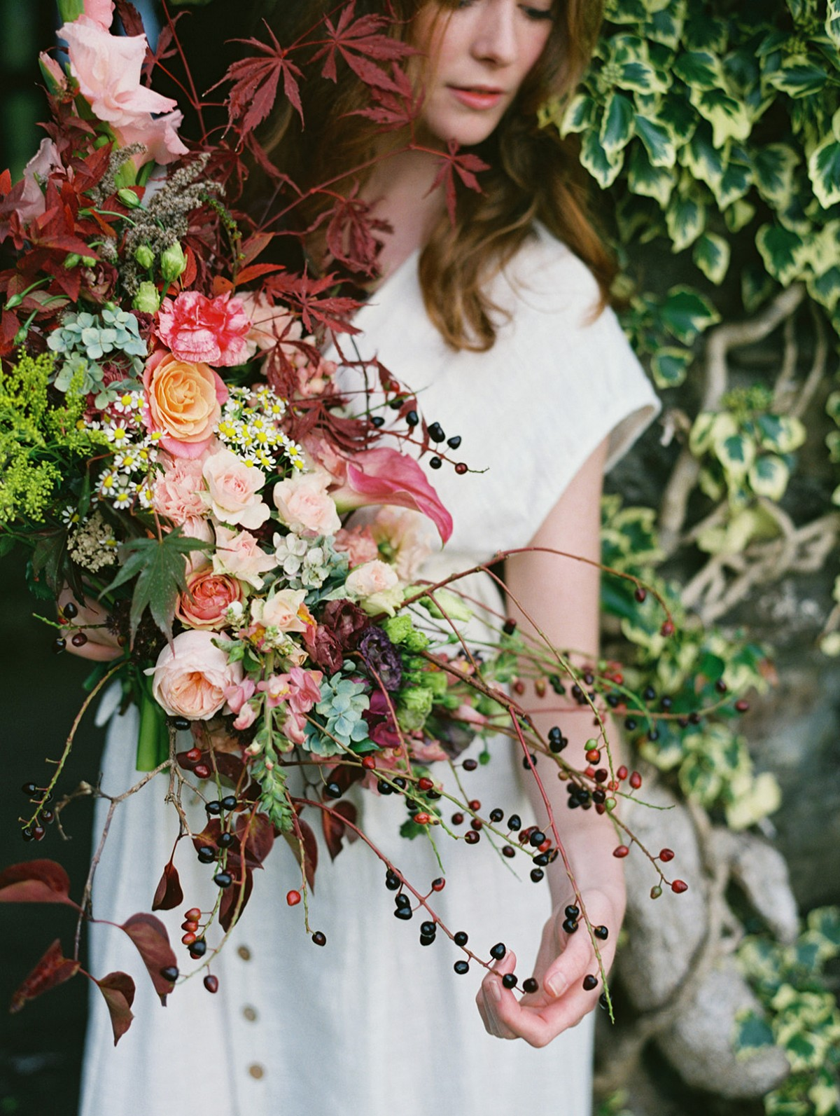dramatic wedding bouquets