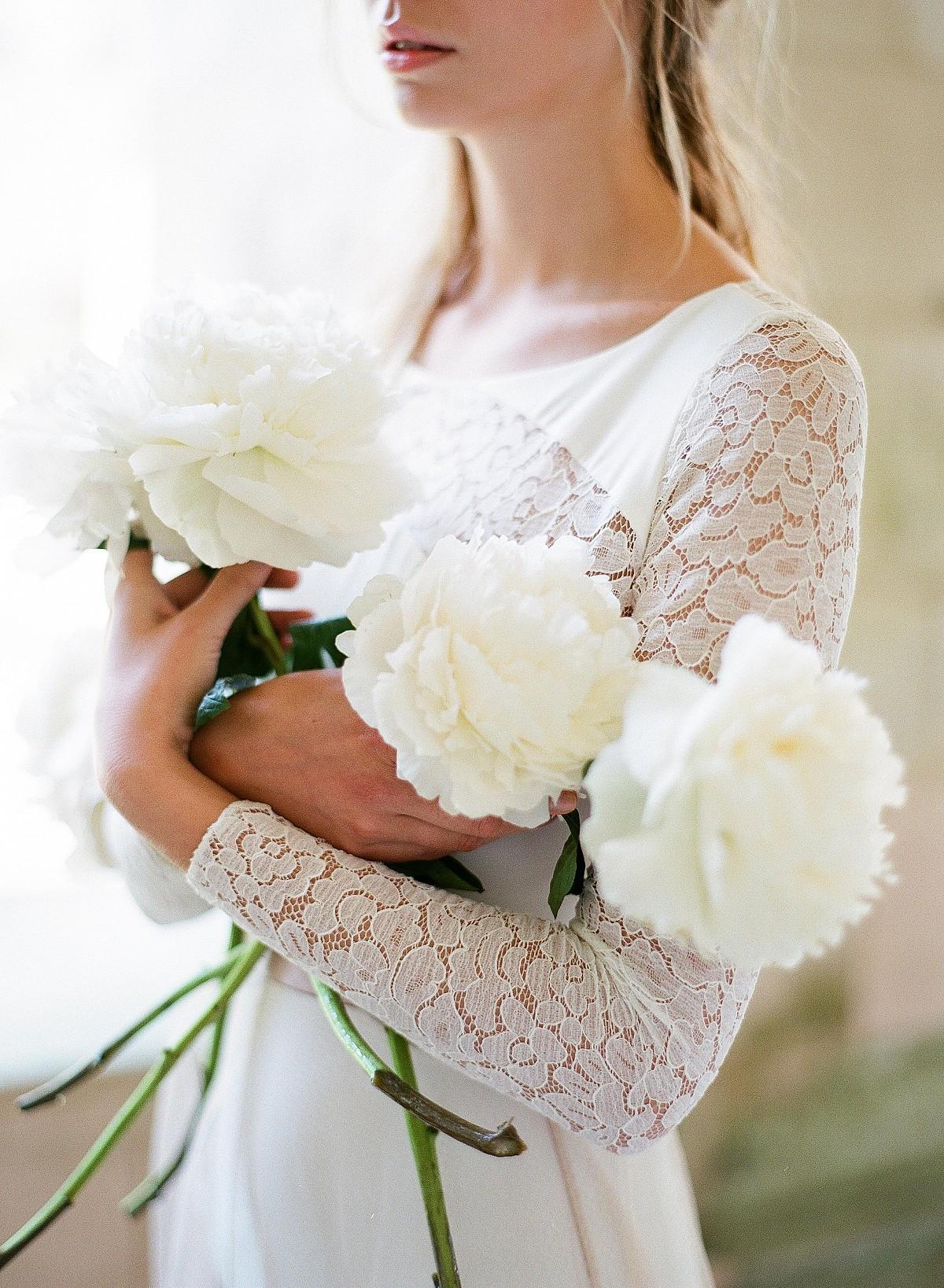 fine art bridal accessories by Orchidee De Soie   Wedding Sparrow