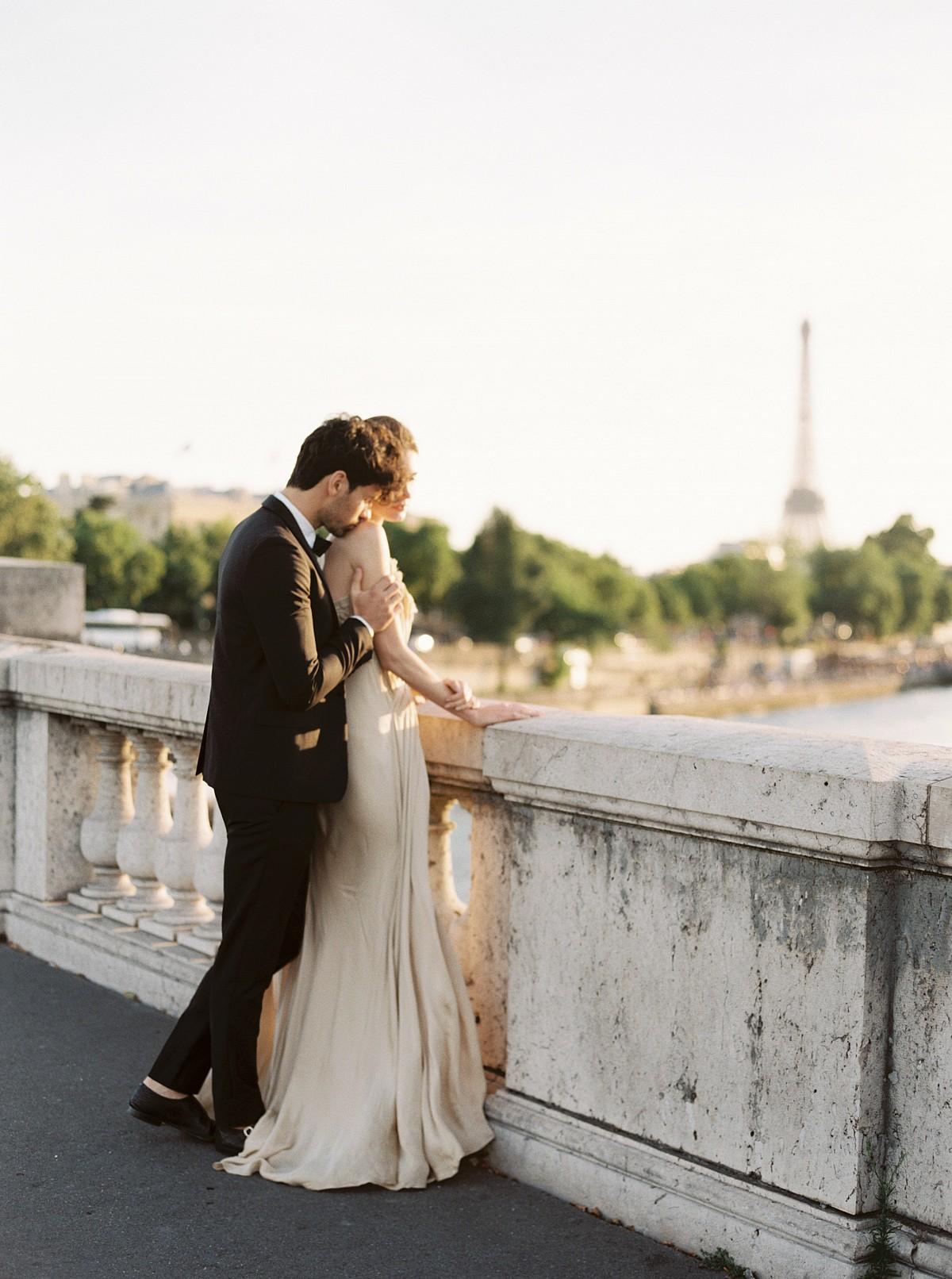 A Simple, yet Stunning Parisian Elopement