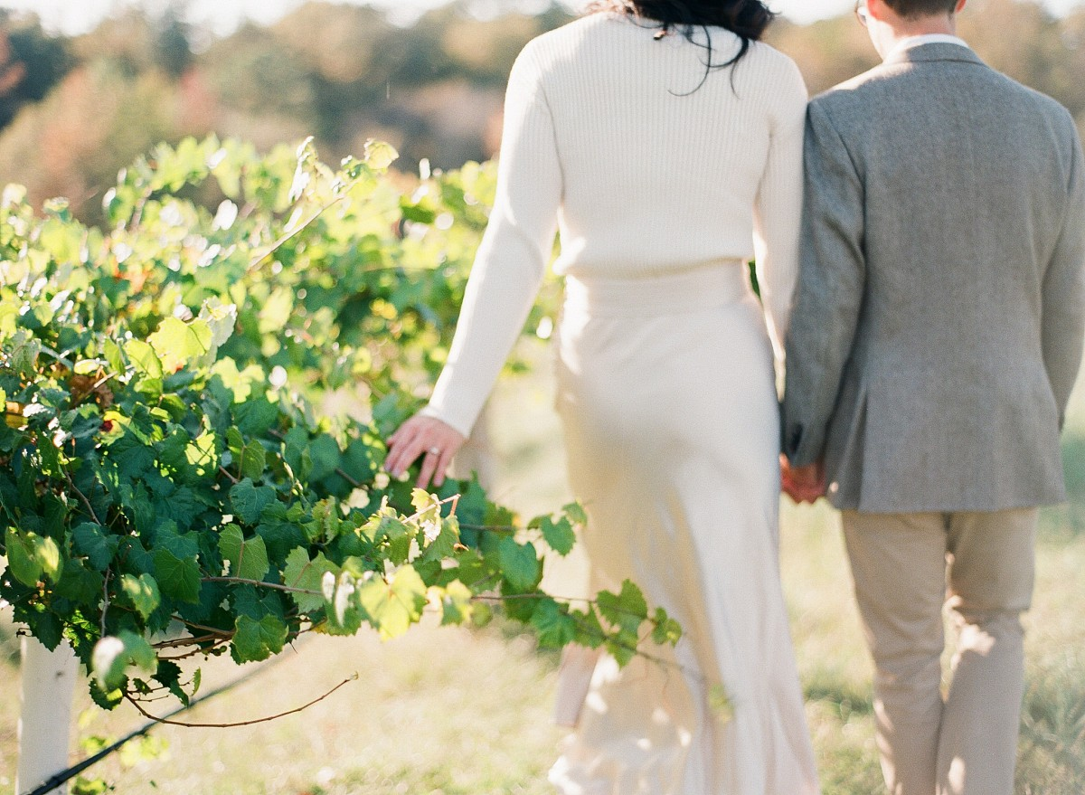 A Picnic in the Vineyard for this Engagement Session