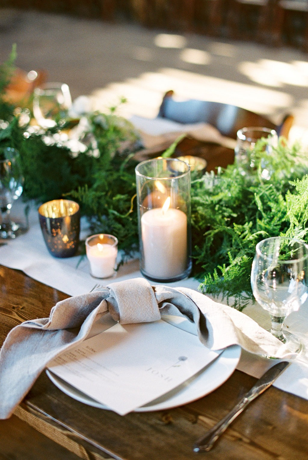 Tablescape | Heartfelt and Nostalgic Indiana Barn Wedding by Renee Lemaire | Wedding Sparrow fine art wedding blog