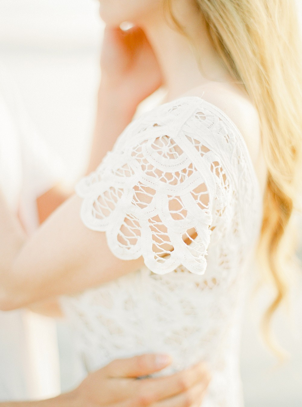 Intimate Honeymoon and Couples Session by Ashley Ludaescher Photography | Wedding Sparrow | fine art wedding blog