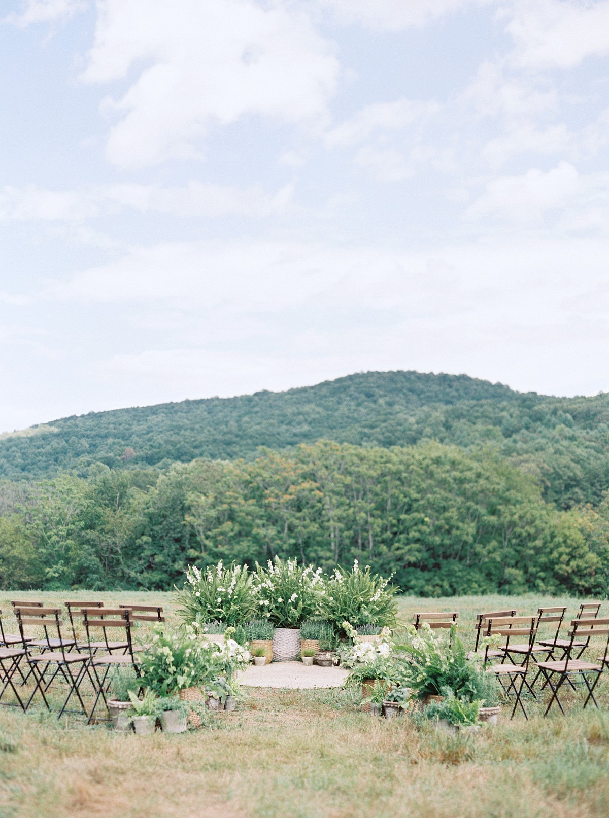 The Perfect Way to Bring a Tuscany Vibe to Your Wedding Style