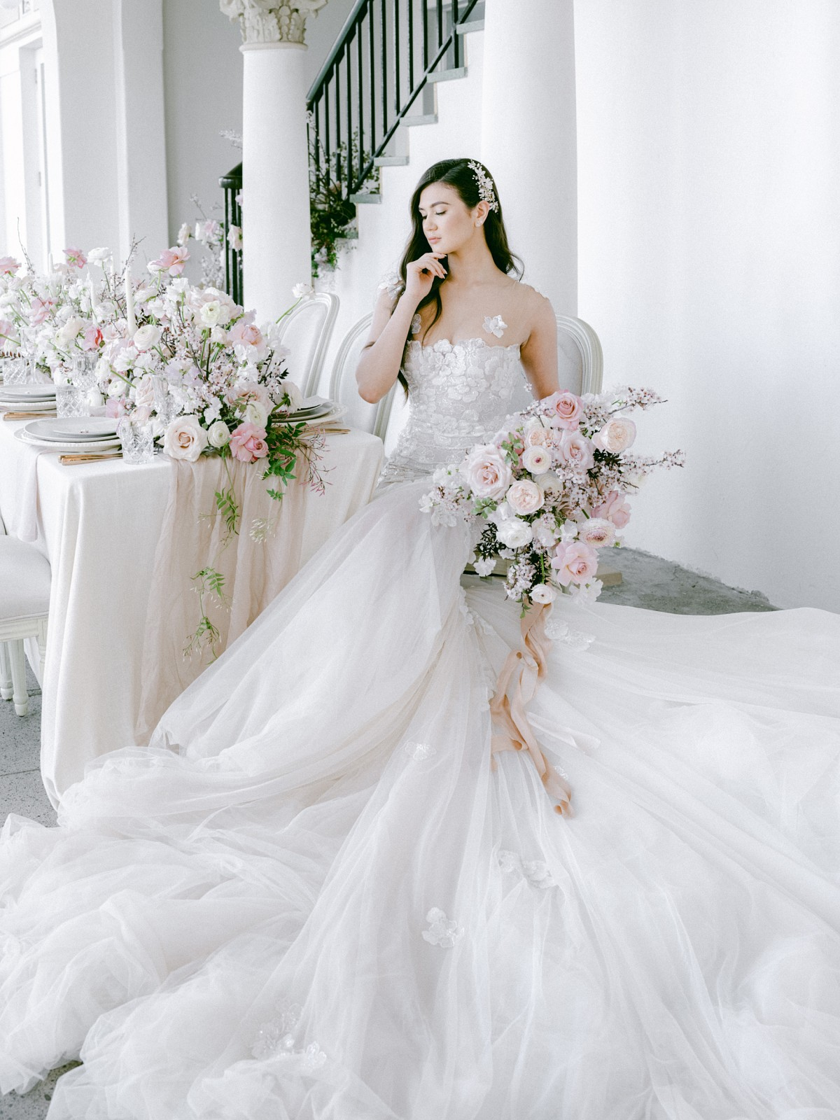 HOW TO CHOOSE YOUR WEDDING DRESS AND NOT REGRET IT