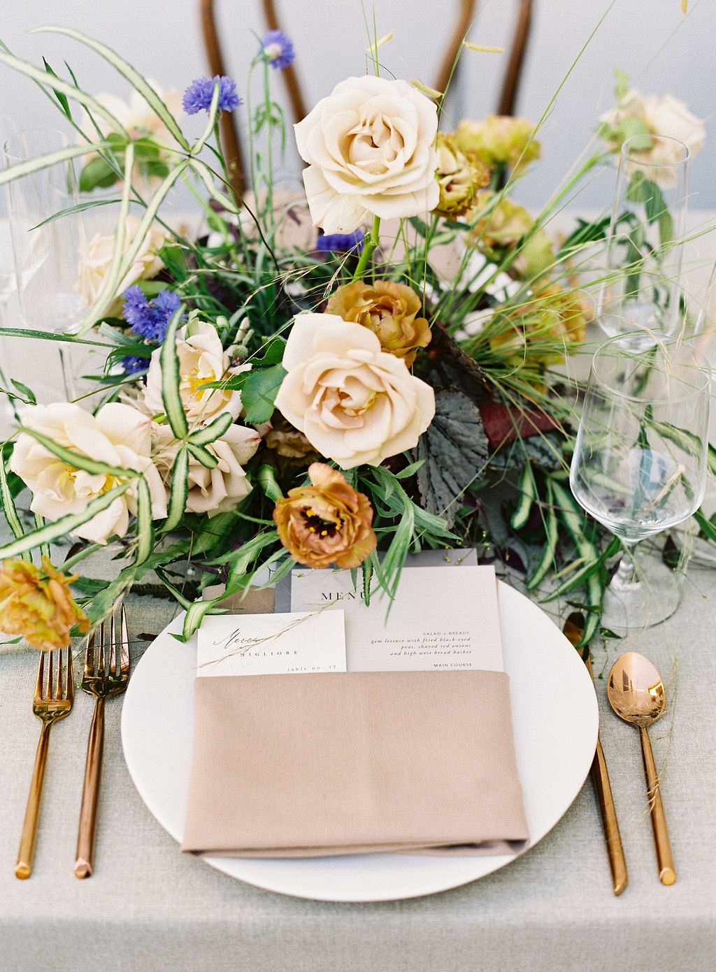 Colbalt Blue and Grasses Make This a Modern Wedding Inspiration