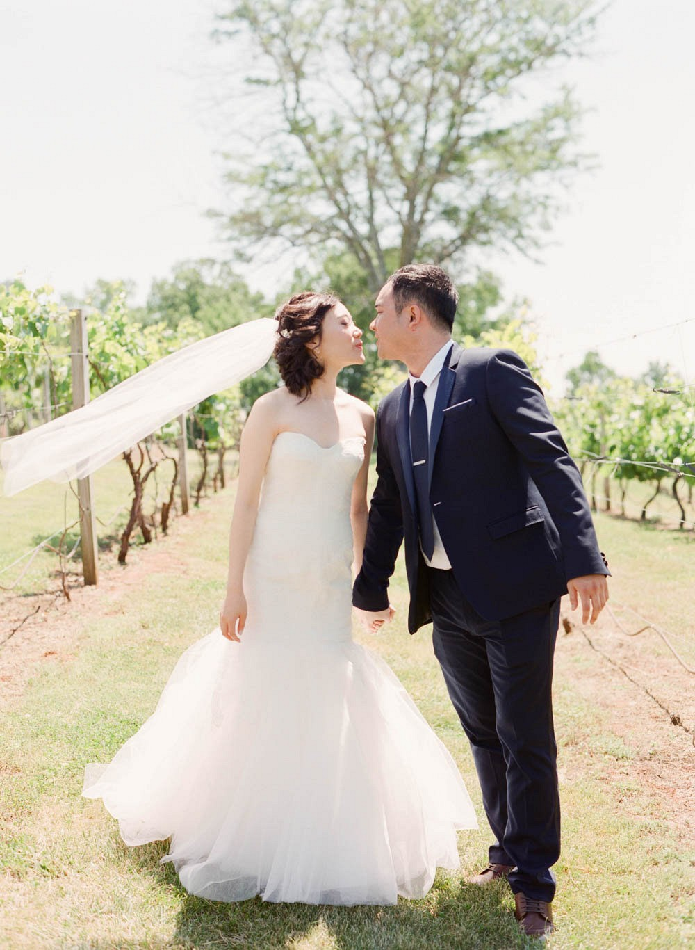 Blush pink garden wedding by Tulle & Grace Photography | Wedding Sparrow | fine art wedding blog