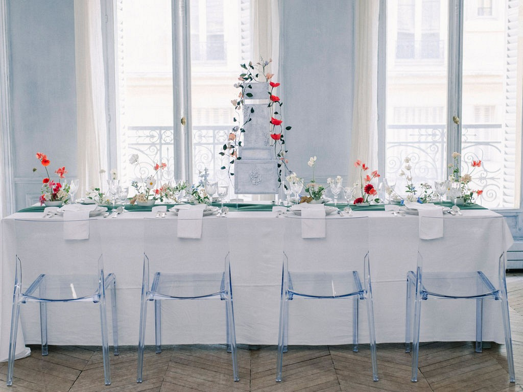 Micro Wedding Inspiration in a Parisian Apartment
