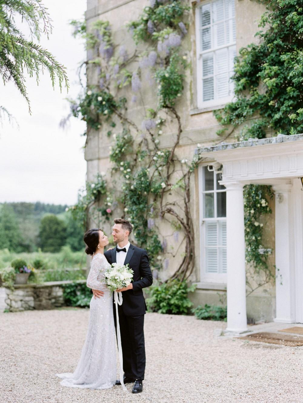 A relaxed, yet elegant English garden wedding