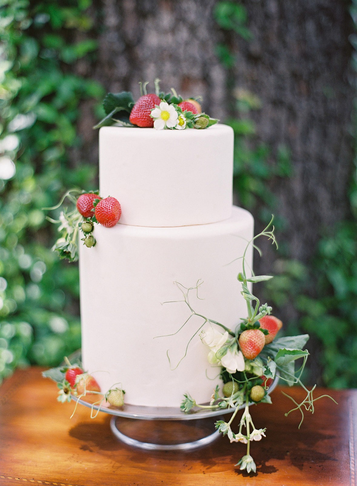 Summer Wedding with Botanical Strawberry Theme