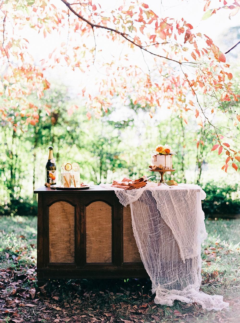 Intimate Folk Autumnal Wedding Inspiration