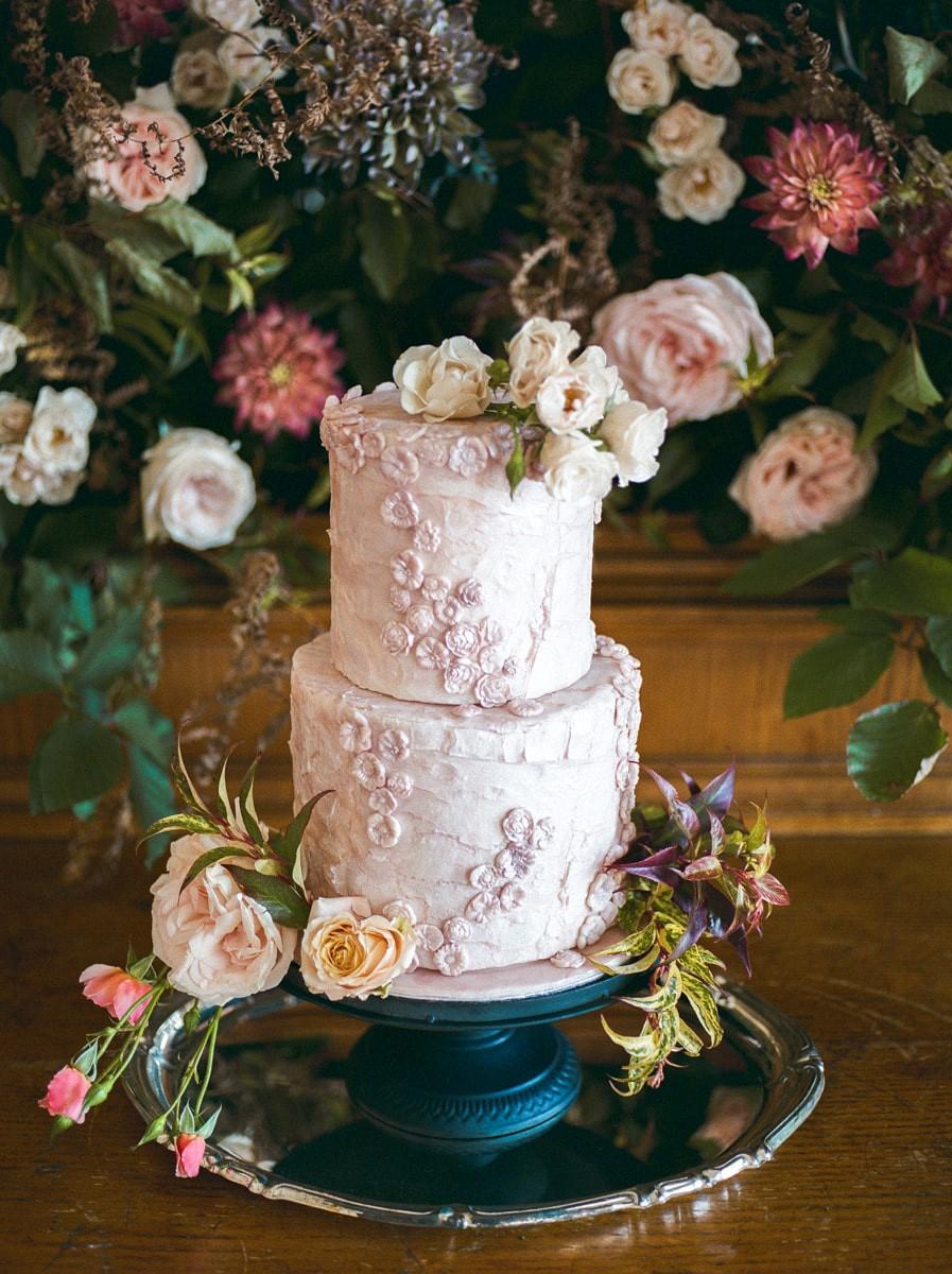 Jewel toned wedding inspiration in an Italian Villa