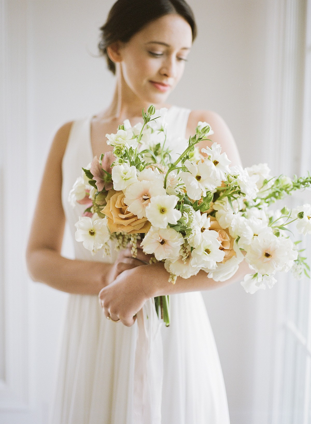 Rustic yet Sophisticated Bridal Session in the Hamptons