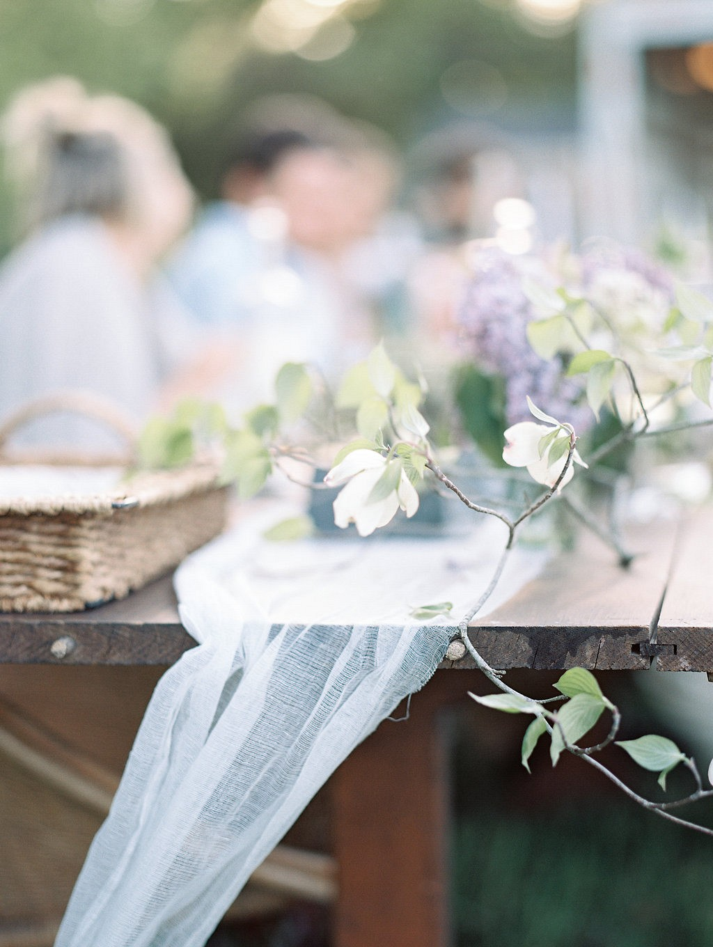 Tips for a Beautiful and Relaxed Rehearsal Dinner by Elizabeth LaDuca Photography | Wedding Sparrow | fine art wedding blog
