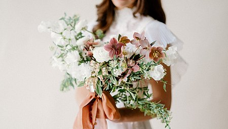 The Perfect Sienna Bouquet for a Spring Wedding