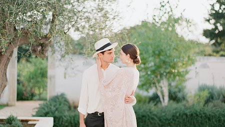 What to expect from a honeymoon photo session