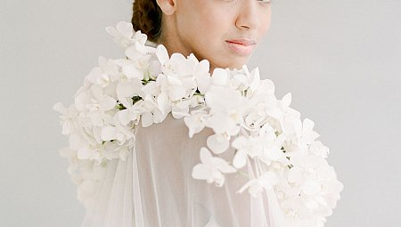 4 Ways to Incorporate Florals into Your Wedding Day Look